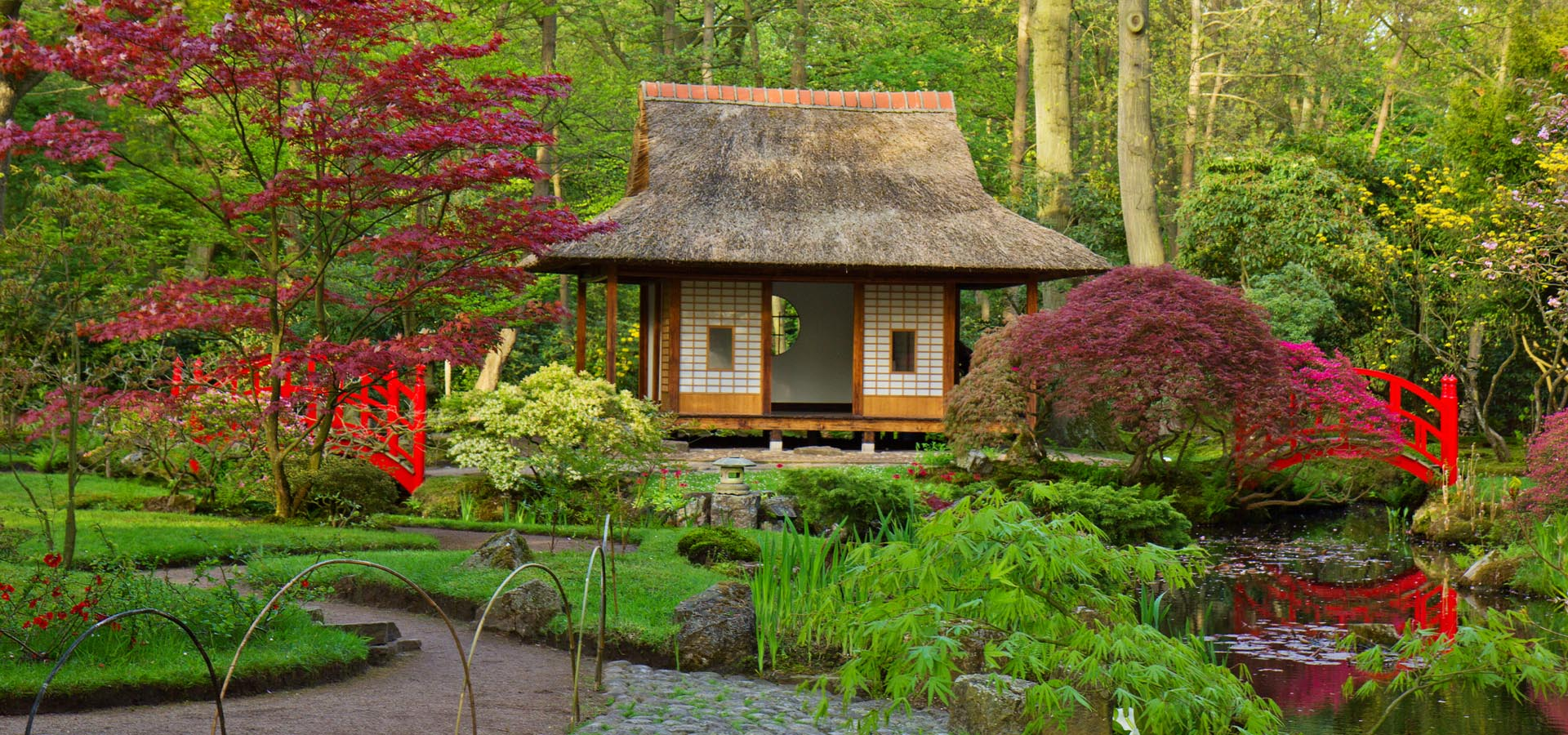 How to find the right colour garden gravels for a Japanese-style garden