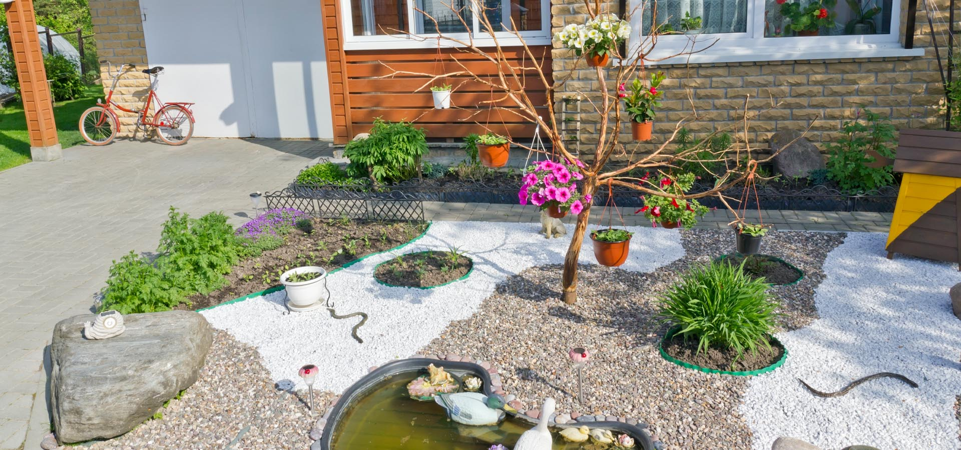 Ten tips for using gravel in your front garden