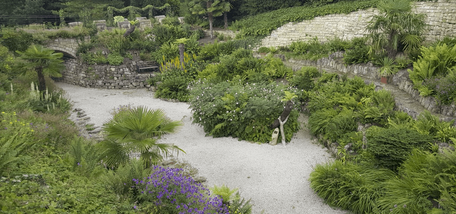 Six decorative aggregates to brighten up your garden